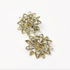 Sarah Coventry Vintage Gold Flower Clip Earrings